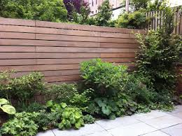 Pin By Dawn On Outside Backyard Fences Fence Design Horizontal Fence