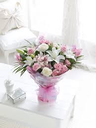 Mother S Days White Heart Flowers باقة زهور القلب الأبيض لعيد الأم