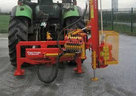 New Swing Around Post Driver Hammers Home The Message Agriland Co Uk