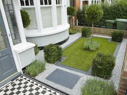 nice front garden for southern home
