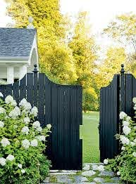 5 Fence Paint Colors To Refresh Your Exterior Curb Appeal Wow 1 Day Painting