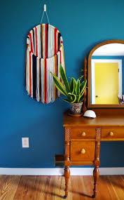 25 diy yarn wall hangings