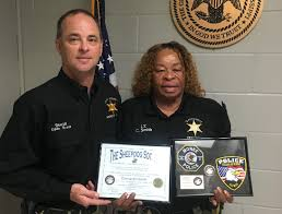 Clay County lieutenant honored for helping a fellow officer
