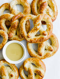 soft pretzels with honey mustard sauce