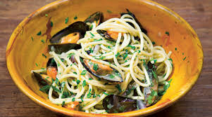 Pasta with Mussels, Garlic, and Parsley ...