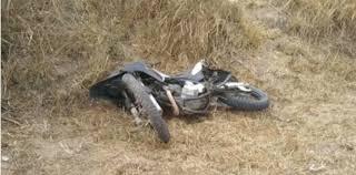 Homem que pilotava moto morre após tentar ultrapassar carro, em ...