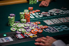 Play Poker and Earn Money