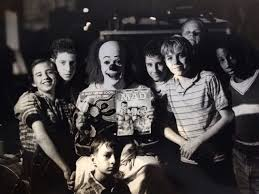 Tim Curry, Jonathan Brandis, Seth Green, Brandon Crane, Adam Faraizl, Ben  Heller, Emily Perkins, and Marlon Tay… | Classic horror movies, Stephen  king, Scary movies