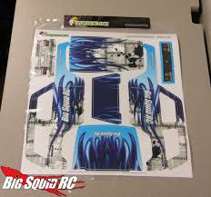 Everybody S Scalin Applying A Vinyl Wrap To A Wraith Spawn Big Squid Rc Rc Car And Truck News Reviews Videos And More