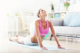 Йога для начинающих: 6 упражнений для укрепления спины | Секреты ...