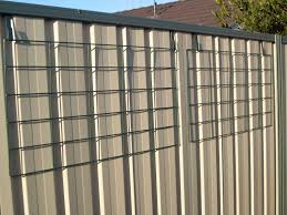 Pin By Sarah Barrett On Wall Vertical Gardens Backyard Fences Brick Fence Fence Design