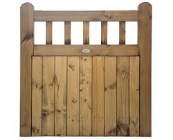10 wooden gate ideas for your property