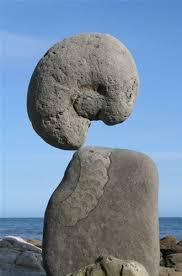 The Impossible Stone Balancing Art of Adrian Gray | Landschapskunst,  Stenen, Rotsformaties