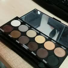 au naturel eyeshadow palette