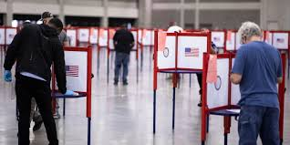 VIDEO: Voters in Louisville bang on doors of the only voting location -  Business Insider