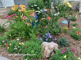 flower garden ideas for small spaces