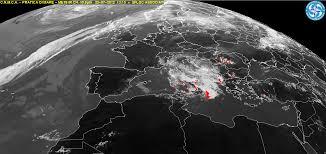 Immagini Satellitari In Diretta Dell'aggiornamento Ciclone Nilofar ...