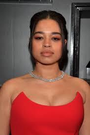 grammys 2020 ella mai red eye makeup