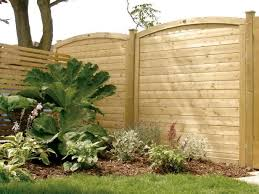 Learn How To Put Up Fence Posts Garden Wall Fence Design Cedar Fence