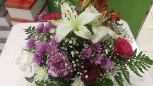 تصميم باقه ورد في صندوق خشب A Bouquet Of Flowers In A Box Youtube