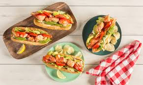 How To Make A Delicious Lobster BLTA ...