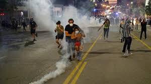 สกู๊ปหน้า 1 : จลาจลสหรัฐฯเผาเมือง แผลลึกพลเมืองชั้นสอง (คลิป)