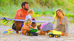 I figli di Chris Hemsworth credono che il padre sia un vero supereroe