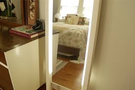 how to make cute lighted leaning mirror
