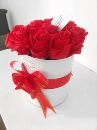 larisa le fleur luxury boxed flowers
