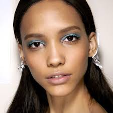 16 makeup looks for brown eyes
