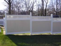 72 Tan White Two Tone Pvc Fence With Privacy Lattice Stepped Down Pvc Fence Fence Panels Fence