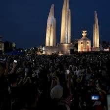 Thái Lan: Hàng ngàn người biểu tình chống chính phủ