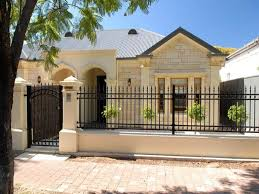Tips On Selecting Good And Right Houses Fence 2020 Ideas