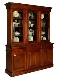 6'0 3 Door Victorian Showcase MLRS – Locksley Furniture