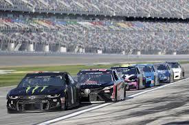 Stenhouse wins Daytona 500 pole in ...