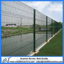 China Hot Sales Factory Green Plastic Garden Fence With Iso Certification China Triangle Bending Fence Welded Fence