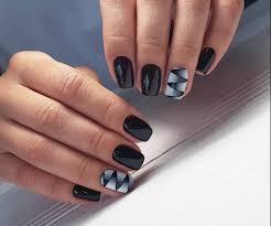 Czarny Manicure Na Krotkie Paznokcie 2020 Pomysly Dekoracje