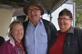 Pam and Ivan Walker and Di Gloag. | Buy Photos Online | Chronicle