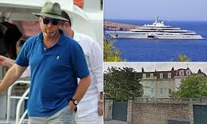 Roman Abramovich denies UK is demanding to see his finances | Daily Mail  Online