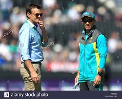 Australia's Adam Gilchrist and Australia coach Justin Langer Stock Photo -  Alamy