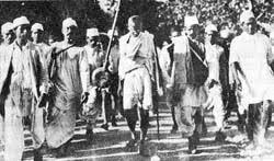 Chapter-20:Salt Satyagraha   The Story of Gandhi   Free Online Books