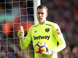 Goalkeeper Adrian wants West Ham United contract extension - Sports Mole