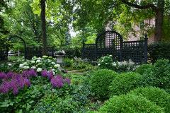 Fence Ideas That Will Work Well With A Black Chain Link Fence