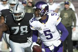 Oakland Raiders re-sign Justin Ellis, release Marshall Newhouse ...