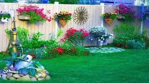 23 Wonderful Backyard Fence Landscaping Ideas Fencing Ideas For Backyards Running Plants