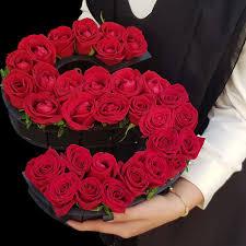 باکس گل رز قرمز ارزان قیمت 120هزار تومان حرف س انگلیسی گل رز داخل