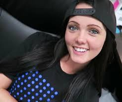 Brittney Atwood - Bio, Facts, Family Life of Roman Atwood's Wife