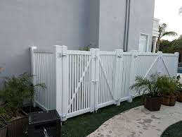 Vinyl Fence Pool Equipment Enclosure Los Angeles By 3t Fence Company