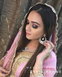 simple mehndi makeup and hairstyle
