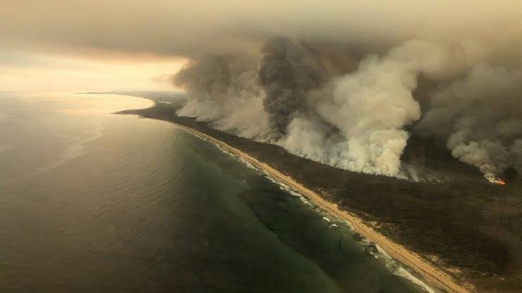 NASA kameralarıyla Avustralya'daki yangının korkunç boyutu